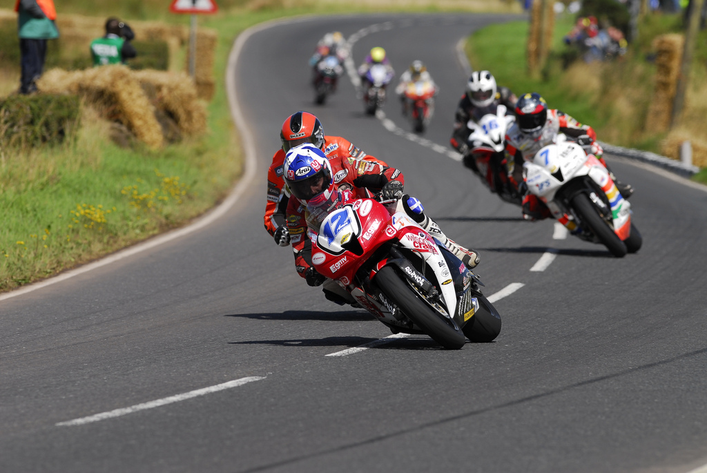 Amor Farquhar and Hutchinson lead the Supersport pack at the UGP